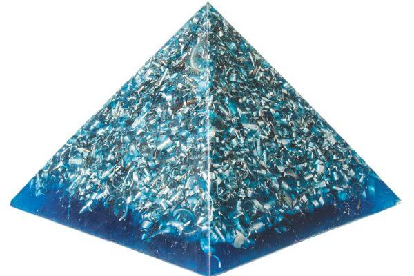 Blå pyramid