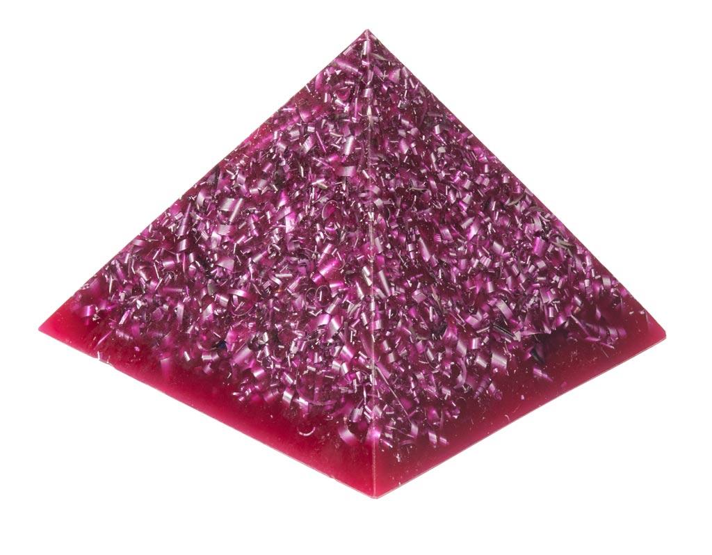 Lila pyramid